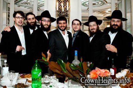 20121206-shomrim-six- Yudi Hershkop, Binyomin Lifshitz, Zalmy Pinson, Nossy Slater, Chaim Hershkop, Gadi Hershkop.
